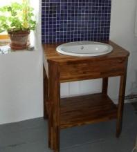 petit-meuble-bois-salle-de-bain