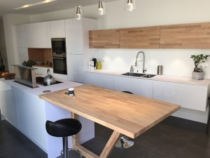 Un plan snack dans ma cuisine flip design boisflip - Cuisine plan de travail bois massif ...